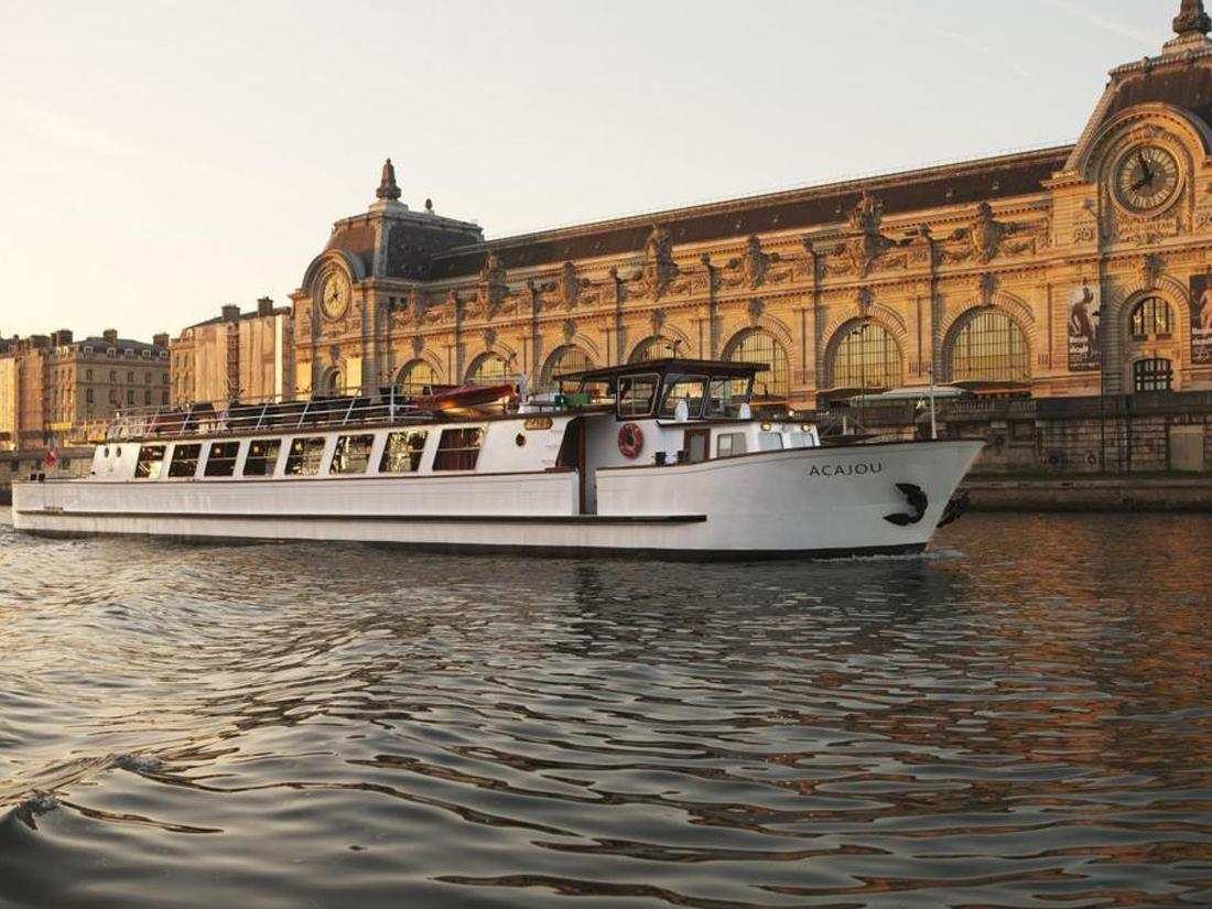 Boat 1100 x 825